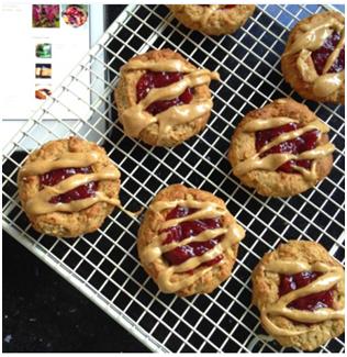 Vegan Peanut butter and jam cookies